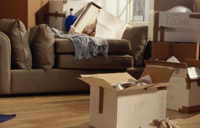 Débarras appartement : le faire soi-même ou faire appel à un pro ?